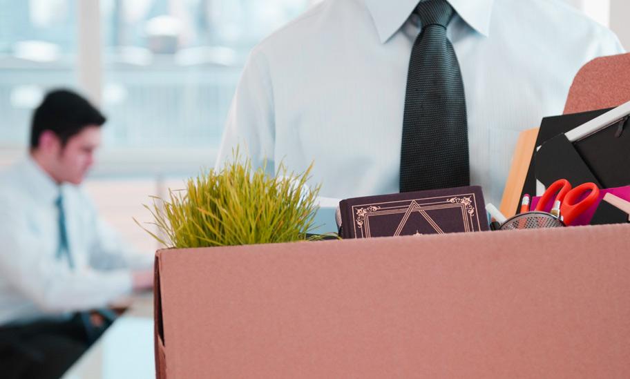 Trabalhador deve ter cuidado com as redes sociais para não ser demitido. Renan Calheiros, se não fos