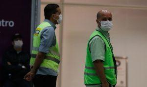 No trabalho, a prevenção contra a epidemia é muito importante